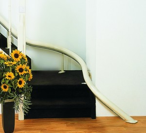 Curved stairlift tread